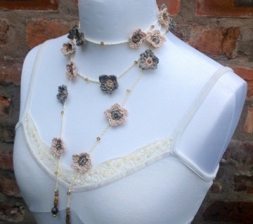 Crocheted Flower Chain Necklace With Beads