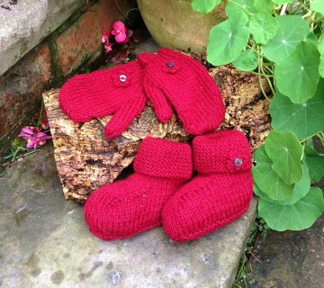 Red Knitted Bootie & Mitten Set