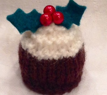 Knitted Christmas Puddings - Ali Ebden Knits