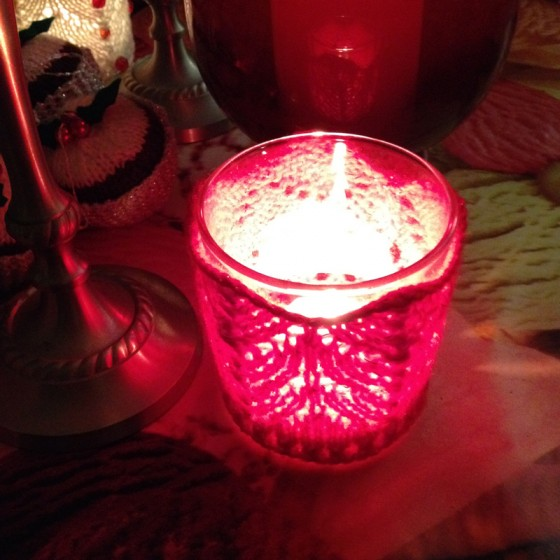 knitted-candle-cosie-1