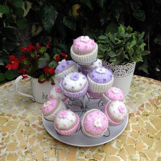 knitted-cupcakes