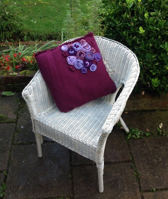 knitted-maroon-cushion