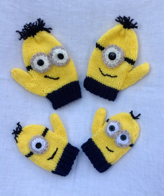 knitted-minion-mittens