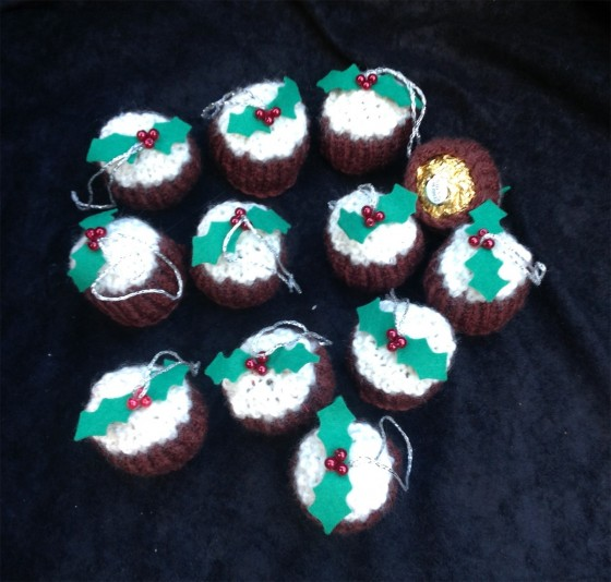 Mini Knitted Christmas Puddings